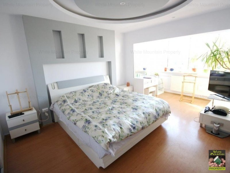Spacious one bedroom apartment in the Old Town