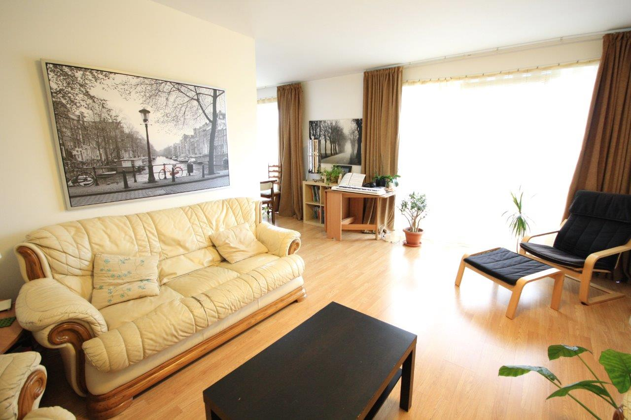 Spacious and bright 3 bedroom apartment for sale - Avantgarden 1