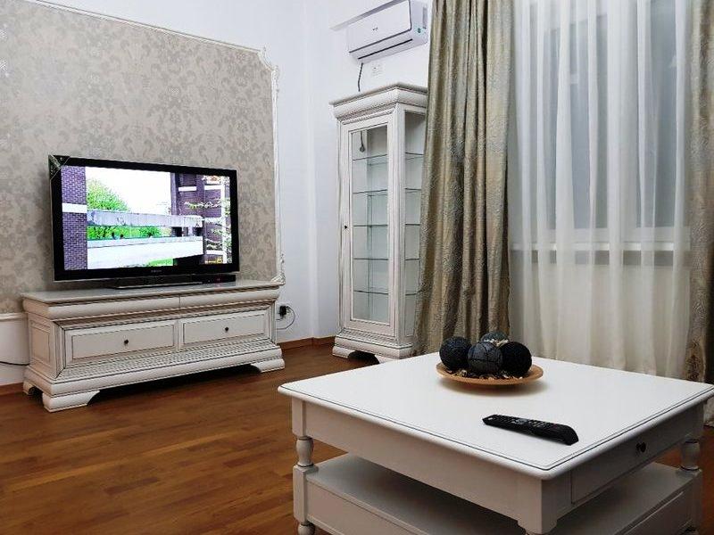 Apartament lux 3 camere de vanzare in Universitate