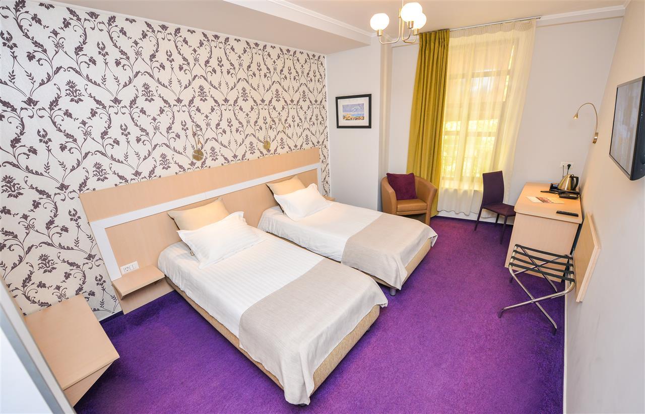 Hotel 3*** de vanzare in Cismigiu