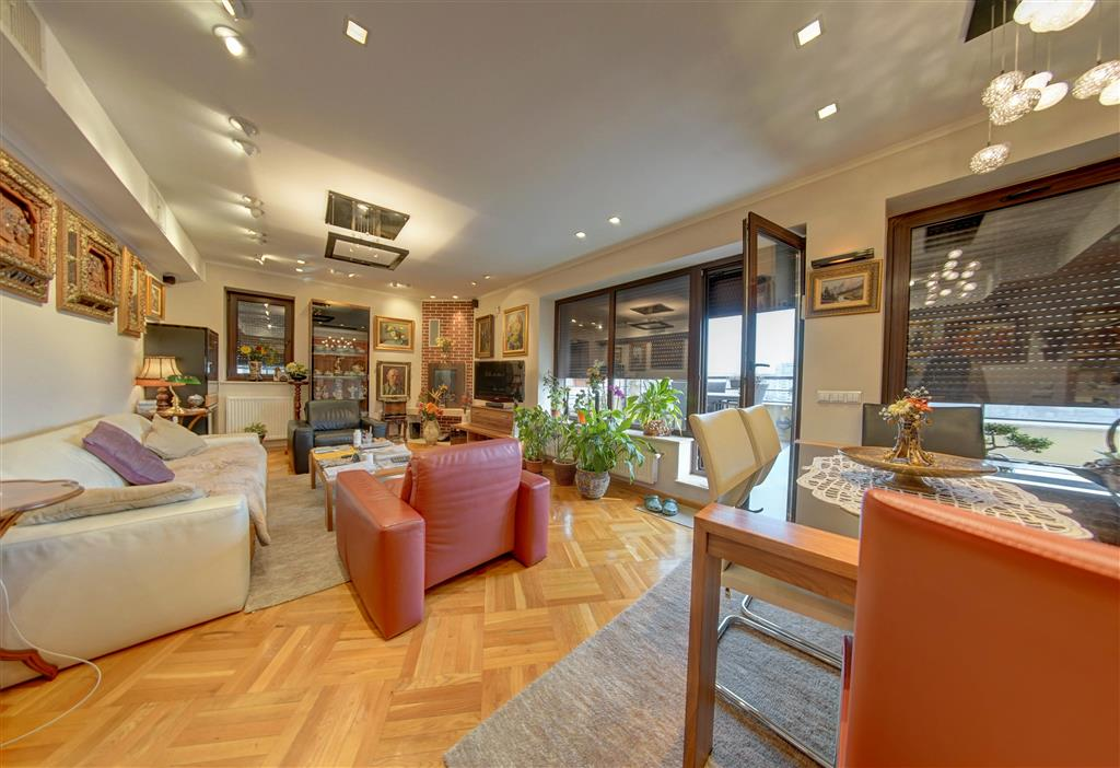Penthouse / Triplex Lux 5+  in zona Alba Iulia Cu 2 terase