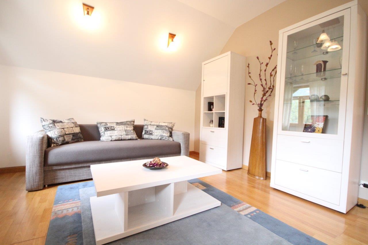 Apartament superb cu 2 camere in zona linistita de case
