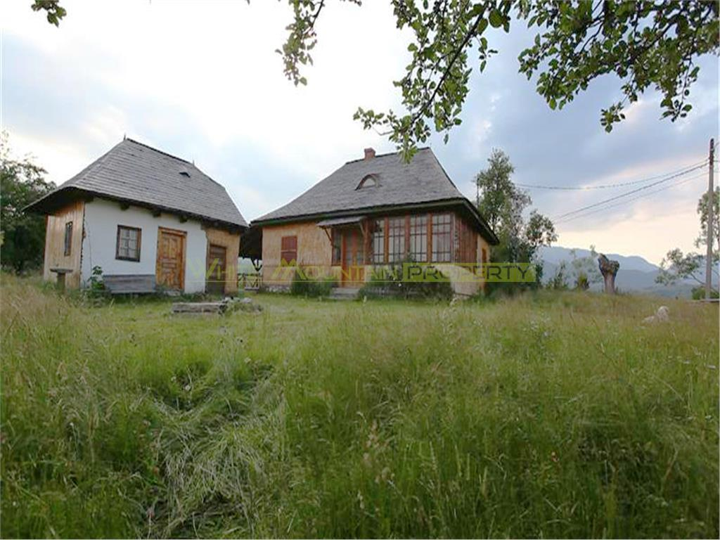 Exceptional holiday cottage retreat 25000sqm land in Sirnea, Bran