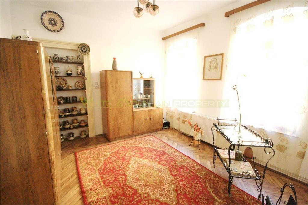 Spacious property for sale in the Historic Centre