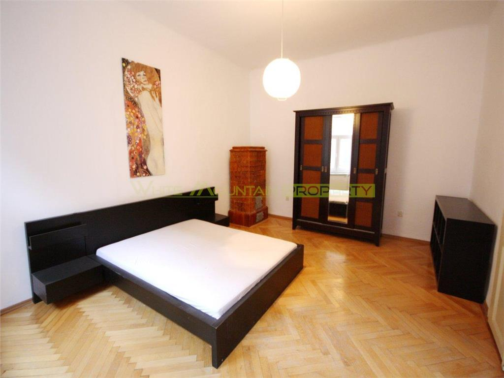 Spacious 2 bedroom apartment for sale in the Historic Centre of Brasov
