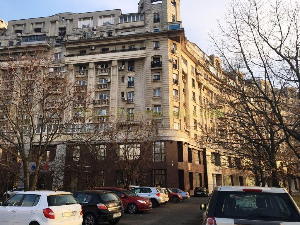 Apartament 3 camere de vanzare in Bd. Libertatii / Izvor