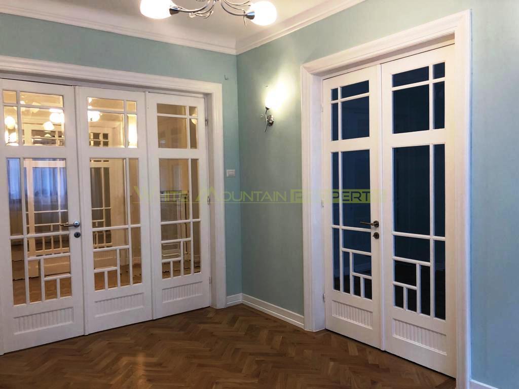 Apartament superb de 4 camere de vanzare in Universitate - Cismigiu