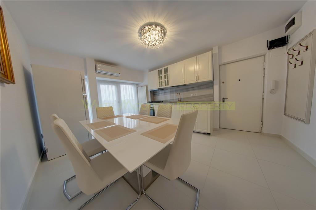 Superb apartament cu 4 camere,Casa Poporului, renovat total, mobilat si utilat LUX