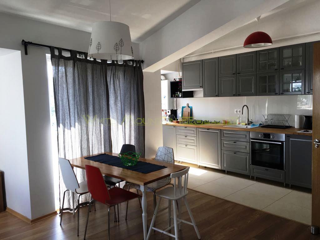 Vanzare apartament superb 3 camere, zona Unirii - Constitutiei