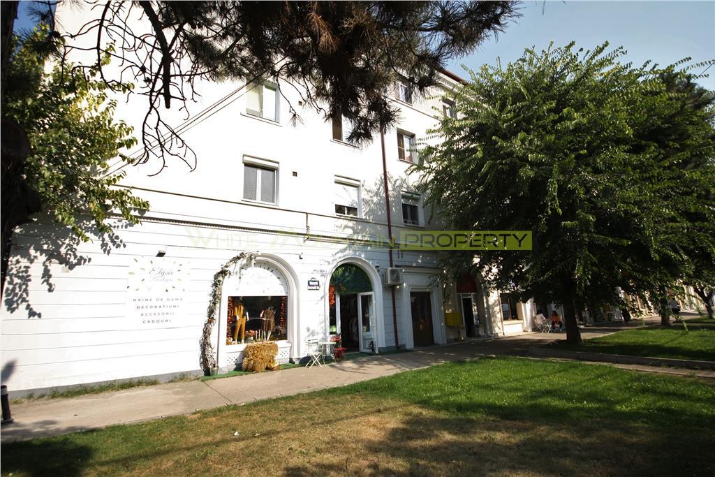 Duplex generos de vanzare zona Parc Bazilescu