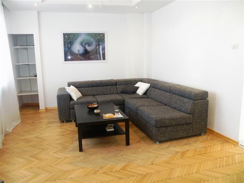 A renovated 3 Bedroom Apartment for sale in Unirii