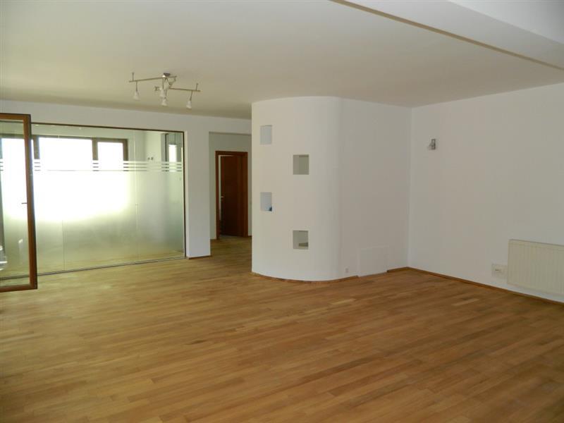 De inchiriat apartament cu 3 dormitoare in Herastrau