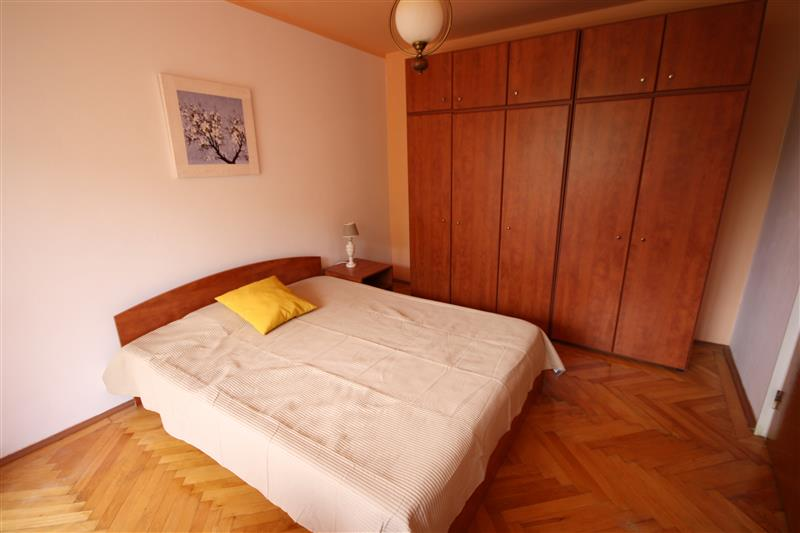 Bright one bedroom apartment for rent in Brasov, Garii area