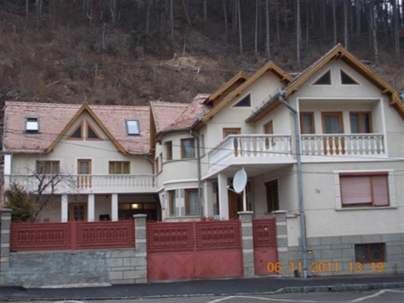 Four bedroom apartment for rent, in a house, situated in Schei - White Mountain Property