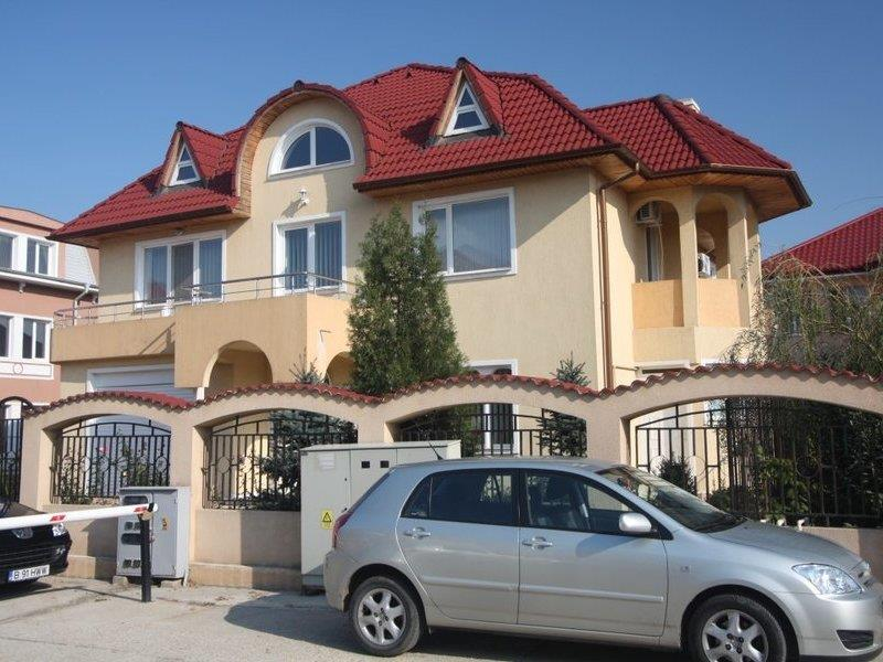 Vila cu 4 dormitoare in Iancu Nicolae, Jolly Ville