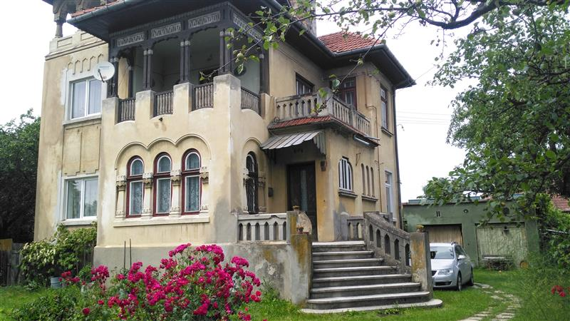 House with authenticarchitecture for sale in Rasnov
