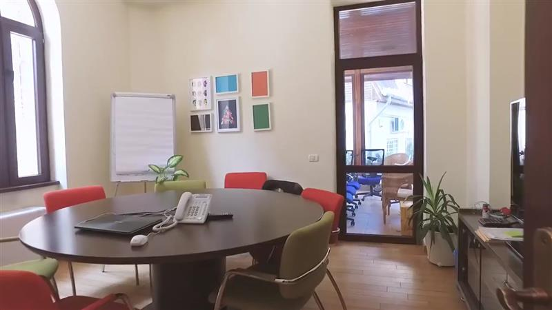 VIla ideala pentru birou de inchiriat in Universitate