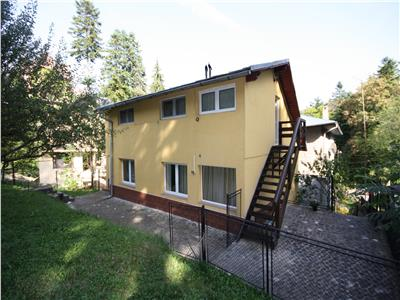 Villa with garden for sale in the center of Sinaia