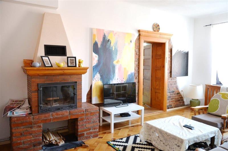 Apartament deosebit si intim cu 3 camere de vanzare in Centrul Istoric Brasov