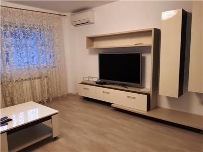 Apartament 2 camere renovat de inchiriat in Universitate