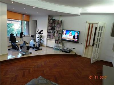 2 Bedroom Apartment with beautiful garden for sale in Aviatorilor Bd.