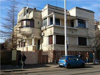 Apartament 5 camere vila curte proprie