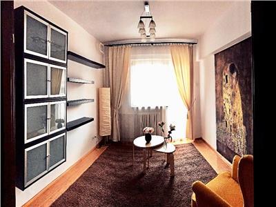Apartament 4 camere de inchiriat in Piata Constitutiei, Unirii