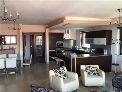 Apartament 4 camere de inchiriat in Titulescu