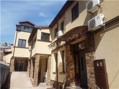 Villa for rent in G. Cosbuc Square, Unirii area