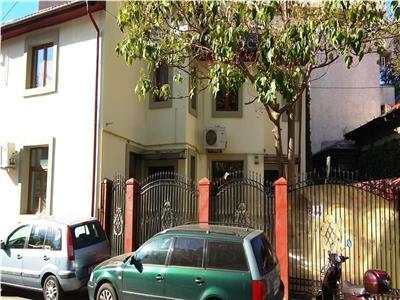 Vila recent renovata de vanzare in Pache Protopopescu