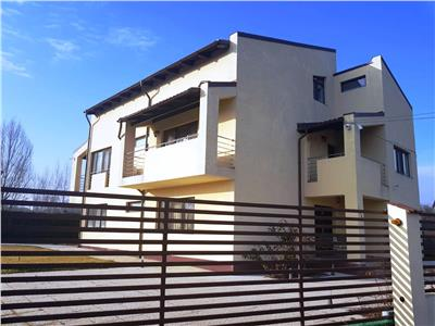 Vila cu piscina de vanzare in Bucov, Prahova