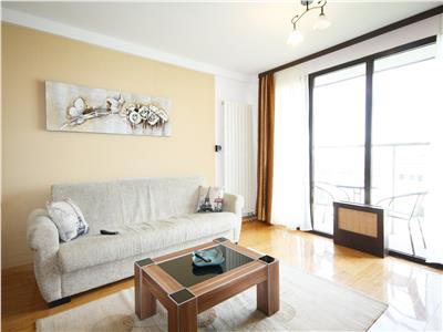 Apartament modern cu 2 camere de inchiriat in centrul Brasovului