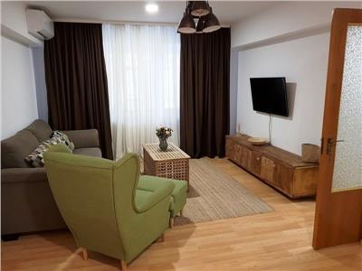 Apartament 3 camere de inchiriat in Universitate