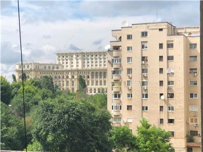 Apartament 2 camere, 65 mp B-dul Libertatii bloc BCR