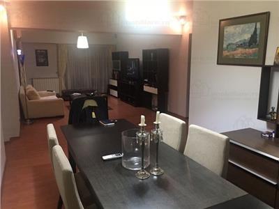 Apartament 3 camere modern in zona Titulescu