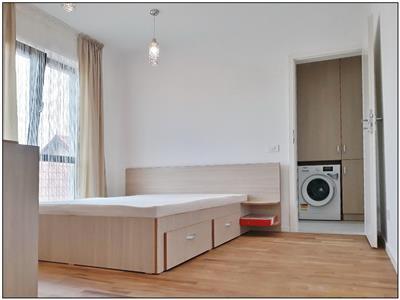 Apartament 3 camere de inchiriat - imobil nou, zona centrala