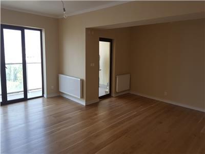 Apartament Spatios 4 camere de vanzare in zona Obor
