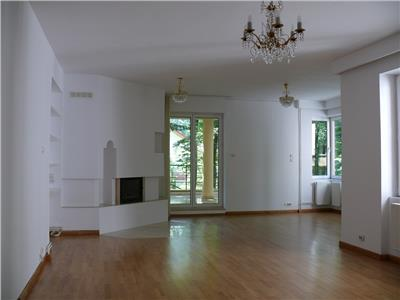 Special 5 room apartment for rent in Baneasa Forest