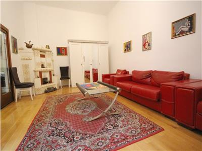 Luxury 3 rooms apartment in the Historic Centre