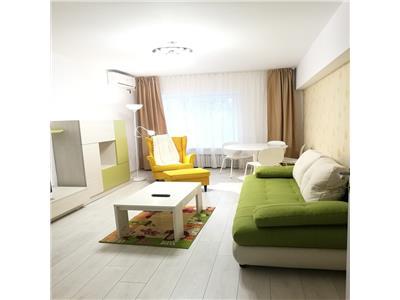 Inchiriere, apartament renovat cu 3 camere, zona Unirii