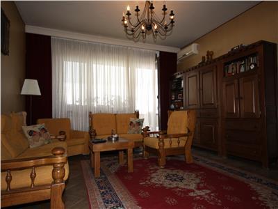apartament cu 3 camere Calea Victoriei vis a vis de muzeul colectiilor de arta al romaniei