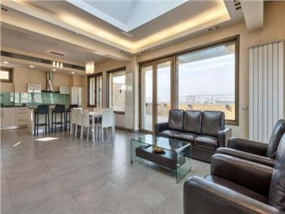 Amazing penthouse for sale next to Carol Park , Tineretului Park and Unirii