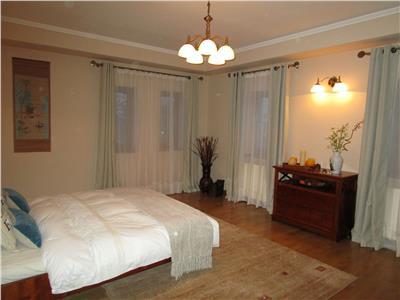For sale, 10 room villa, Chitila