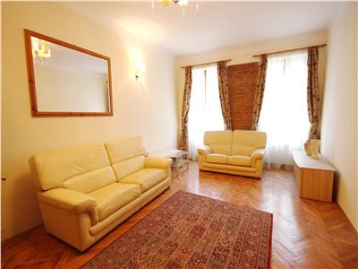 Apartament cu 3 camere str. Muresenilor - pretabil regim hotelier
