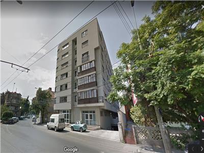 Apartament spatios cu 3 camere si loc de parcare in subteran, zona Foisorul de Foc