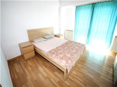 De vanzare - apartament Ultracentral, 2 camere, Strada Traian nr 2