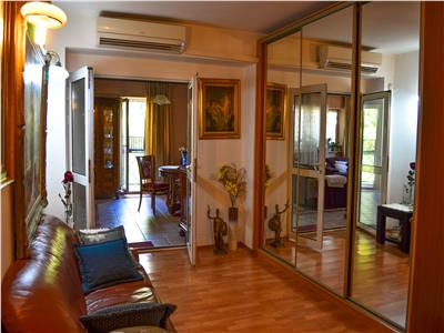 For sale, 10 room villa, Vatra Luminoasa