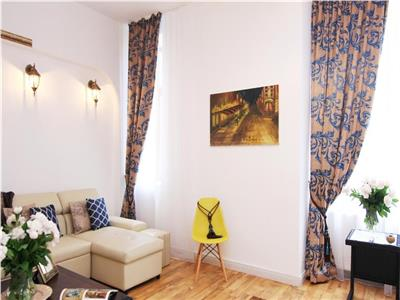 Three bedroom apartment for sale - Old City / Piata Unirii