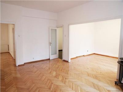 Two bedrooms, big apartment in Universitate