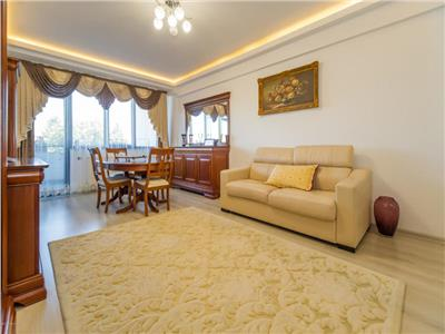 For sale 3-bedroom apartment, Tractorul area